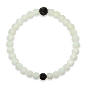 Jewelry - Mother of pearl stretch bracelet new